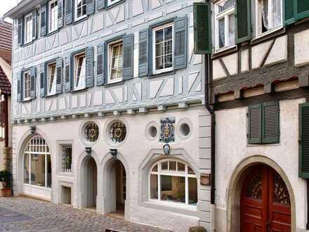 Modern. Hell. Großzügig. Wohnen in einem der schönsten Altstadthäuser Herrenberg's.