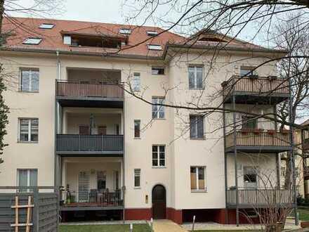 TOP 3,5-Raumwohnung über zwei Etagen mit Westbalkon, EBK und Fußbodenheizung!
