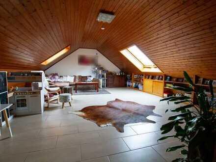 Aktualisiert! Provisionsfreie 3-Zimmer Dachgeschosswohnung in Fr.-Crumbach