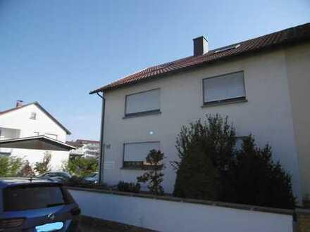 2-Familienhaus(WEG) mit Garage und 2 Stpl.