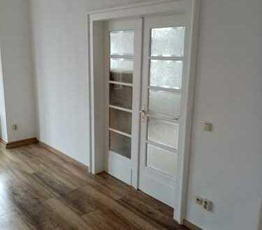 Komplett sanierte 4-5 Raum Wohnung mit Balkon und Gartennutzung
