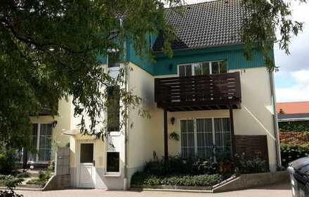 Helle 2-Zi.-Wohnung mit großem Balkon in natur- und seenreicher Umgebung