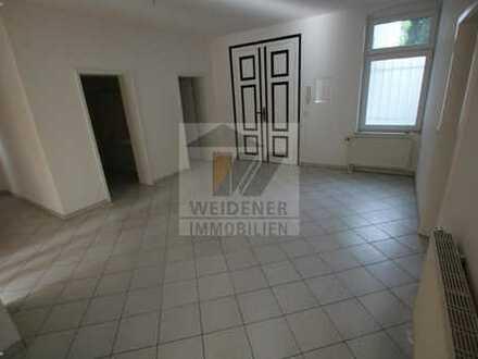Im Herzen von Gera! Bürofläche mit 4 Zimmer mit Balkon, separates WC und Duschbad!