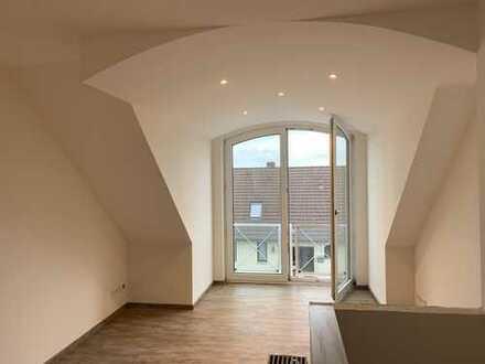 Haus im Haus-Gefühl: Maisonettewohnung in H-Seelhorst; 2 Zimmer + Galerie
