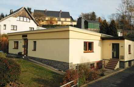 Schöne, geräumige vier Zimmer Wohnung in Erzgebirgskreis, Großolbersdorf