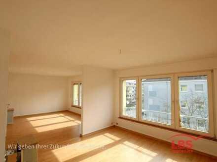 PERFEKTE LAGE IN KARLSRUHE: 3 Zimmerwohnung, 3 Balkone*