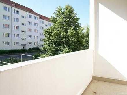 Gut, Günstig, Renoviert, Zentral und mit Balkon!