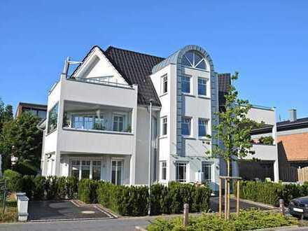 Moderne Erdgeschosswohnung mit zwei Terrassen, Einbauküche, Lift u.Tiefgarage in Bad Zwischenahn