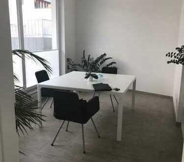 Sehr schönes und modernes Büro, Mitten in Böblingen EG mit gr. Fenstern
