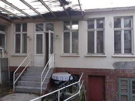 Zentrales, helles Lager/Atelier/Loft. Provisionsfrei!