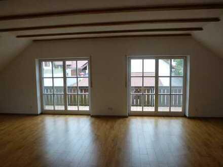 Gepflegte 3-Raum-DG-Wohnung mit Balkon und Einbauküche in Beilngries