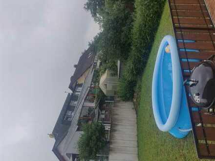 Studenten WG, Haus mit Garten und Pool