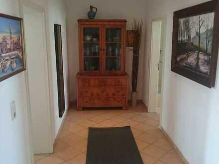 Viel Freiraum für Dich auf der Karli - Großes Zimmer in vollmöblierter 2-Raum Wohnung (Balkon, WaMa,