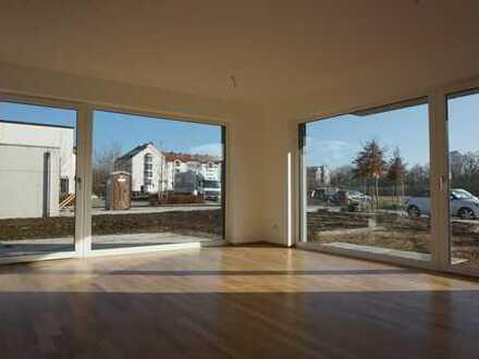Großzügige Gartenwohnung mit viel Platz und Sonne in Neubau Kirchheim!