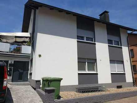 Schöne, geräumige drei Zimmer Wohnung in Karlsruhe (Kreis), Östringen