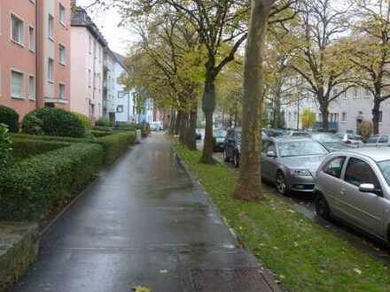 3 Zimmer Wohnung mit Balkon, Keller und Garage, Küche, Würzburg zu verkaufen