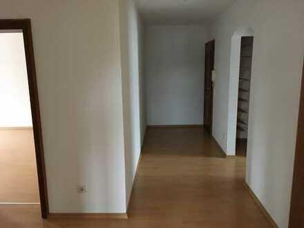 Gepflegte 3-Zimmer-Wohnung mit Balkon und Einbauküche in Prien am Chiemsee