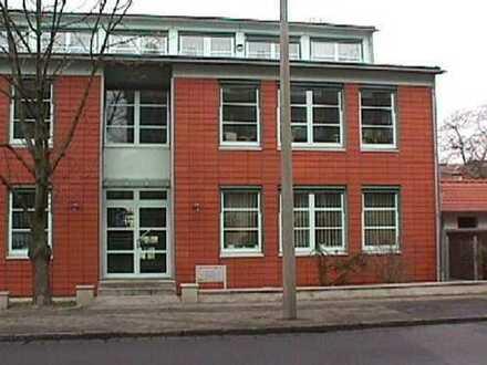 Große Büroeinheit im EG mit Archivraum im Keller zu vermieten