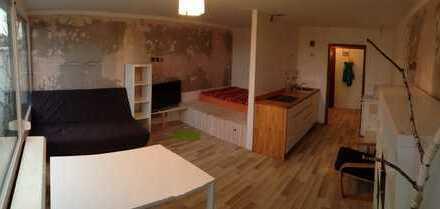 Schöne, geräumige ein Zimmer Wohnung in Kempten (Allgäu), Haubensteig/Göhlenbach
