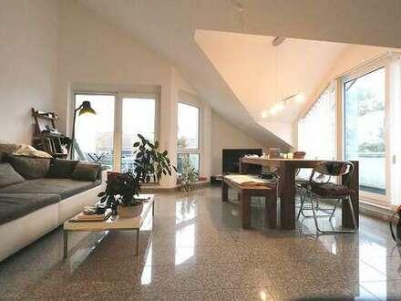 *Modern&hell in schöner Lage* 3-Zi-DG-Wohnung+separater Hobbyraum (Tageslicht) mit Dusche/WC
