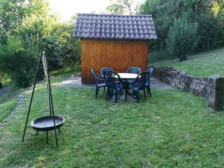 Gartengrundstück mit schöner Sitz- und Grillmöglichkeit