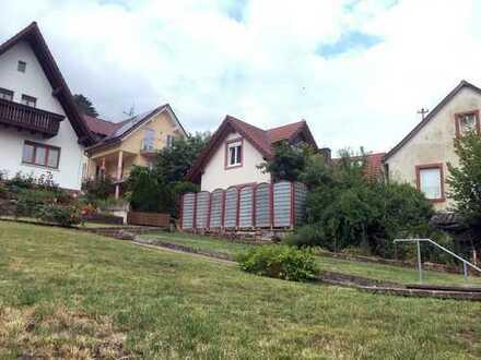 Schönes Haus mit vier Zimmern (+KDBB) in Lohr am Main (Main-Spessart-Kreis)