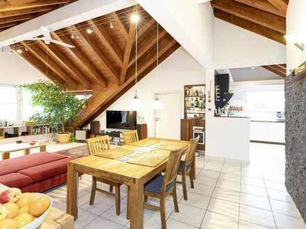 Diese extravagante Wohnung mit besonderem Flair wird Sie begeistern !