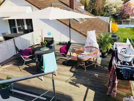 Traumhafte 5-ZKB Maisonettewohnung mit Wohn-Essküche, Dachterrasse und Garten