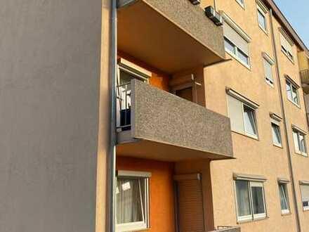 2 Zimmer mit Balkon und KFZ Stellplatz