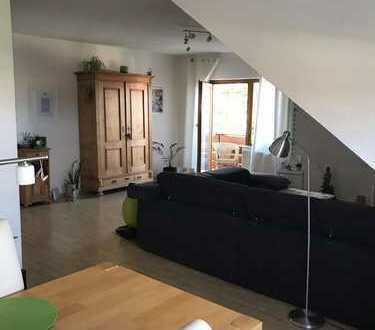 Gepflegte 2-Zimmer-DG-Wohnung mit Balkon in Kirchheimbolanden