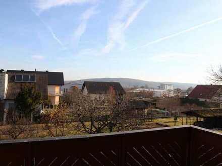 Großzüige Komfort-3,5 Zimmer Wohnung mit Balkon und Einbauküche in Rattelsdorf
