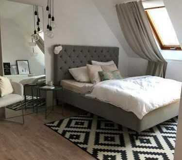 sehr helle 2 Zimmer-Maisonette-Wohnung