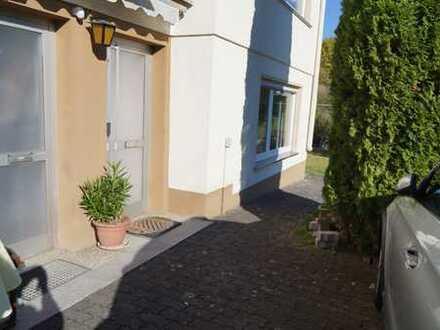 Vollständig renovierte 1-Zimmer-EG-Wohnung mit Einbauküche in Netphen