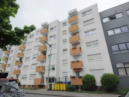 Helle 2-Zi-Whg mit Balkon und Loggia, zentral in Fürth