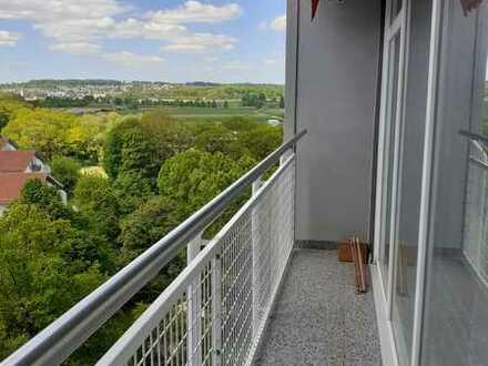 S-Fasanenhof, 3-Zimmer-Eigentumswohnung mit Balkon, TG-Platz, tolle Aussicht
