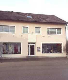 - PROVISIONSFREI - 2-Familien-Haus mit Laden, Werkstatt + Garagen, Perfekt für Gewerbe + Wohnen
