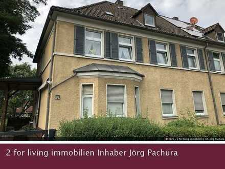 Gepflegtes Dreifamilienhaus mit separaten Gartenanteilen und zwei Stellplätzen in schöner Wohnlage!