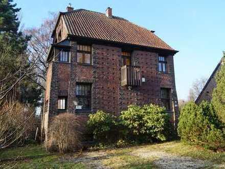 Jugendstilhaus im Landschaftsschutzgebiet