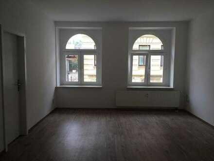 Schöne frisch renovierte 2-Raum-Wohnung in Meerane