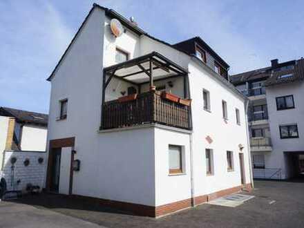 Bezahlbares freistehendes Stadthaus am Rhein
