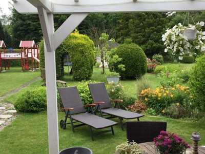 Schöne Doppelhaushälfte mit großzügigem Garten