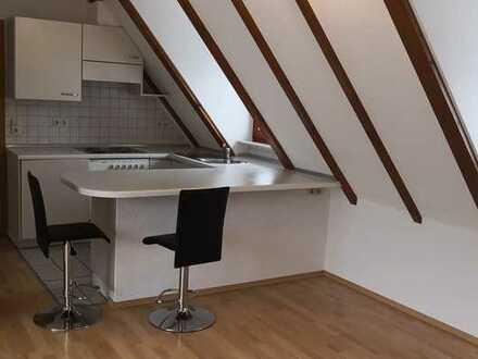Schöne 2-Zi-DG-Wohnung in Obersontheim mit Pkw-Stellplatz