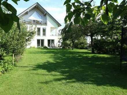 Herrlich sonnige Wohnung in 3-Familienhaus mit großem Garten