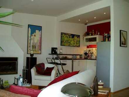 Schöne 3 Zimmer Wohnung mit offenem Kamin und Dachterrasse!