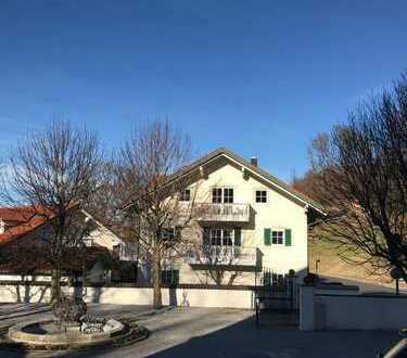Zwischen München und Salzburg  luxuriöse 3 Zimmer Wohnung mit traumhaften Ausblick auf die Berge