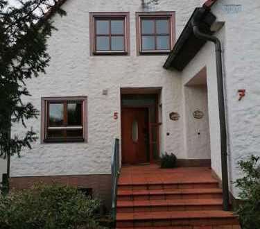 Schönes, geräumiges Haus mit vier Zimmern in Erlangen-Höchstadt (Kreis), Möhrendorf