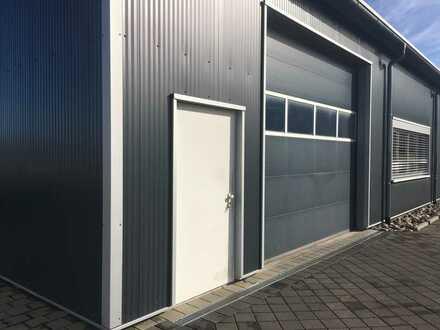 Hochwertige Produktions-/Lagerhallen mit schönem Büroanteil