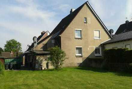 Heimwerker aufgepasst: Doppelhaus in Südwestlage mit Ausbaupotenzial und großem Garten