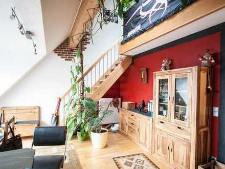 Stilvolle, gepflegte 2-Zimmer-Maisonette-Wohnung mit Dachterrasse und EBK in Dachau von Privat