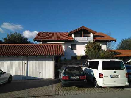 Sonnige 3-Zi.-Wohnung in kleiner Anlage in ruhiger und zentraler Lage